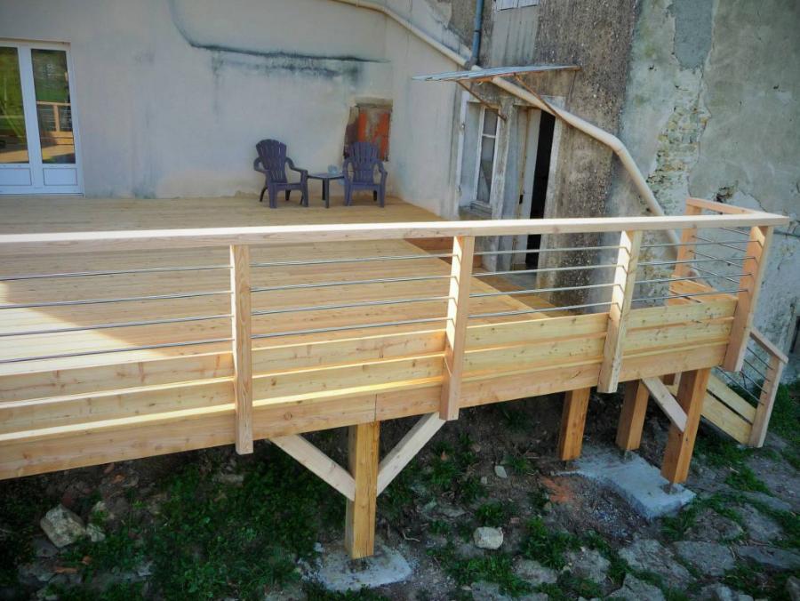 Sarl Hbc Realisation D Une Terrasse Sur Pilotis En Meleze A